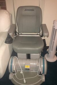 Electric Medical Wheelchair - Hoveround brand BRAND NEW NEVER USED Silver Spring, 20906