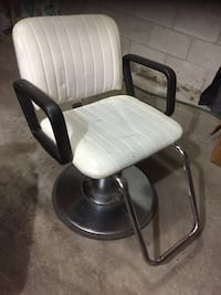 black and white leather padded rolling chair Brampton, L6V 3W7