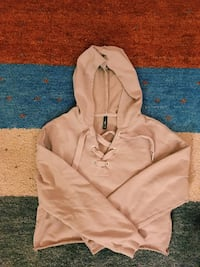 Pale- pink cropped hoddie  Edinburgh, EH9 2BT