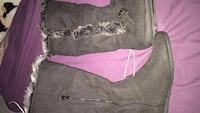 cute boots , never worn  Dune Acres, 46304