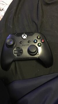 Xbox one controller  Dartmouth, B3A 4N9