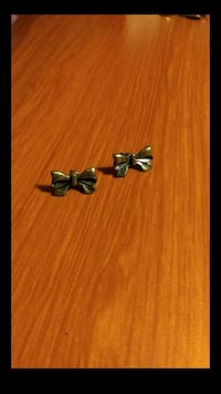 Bowtie Earrings Colorado Springs, 80919