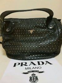 Gorgeous  Prada  tote  bag  Whitby, L1N 8X2