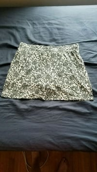 white and black floral skirt Brooklyn, 11225