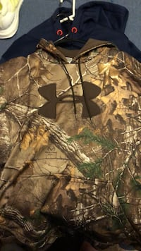 brown and green tree camouflage jacket Lincoln, 68521