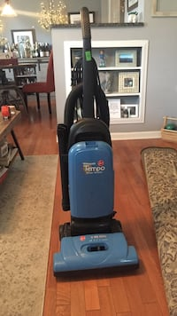 black and gray Bissell upright vacuum cleaner Royal Oak, 48067