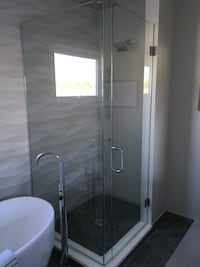 Custome showers & mirrors Chicago, 60647