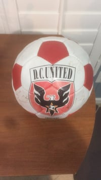 DC united soccer ball signed by 4 players Bristow, 20136