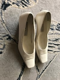 Ladies Bocci made in Italy 8.5 cream square toe heals Toronto, M1M 2G2