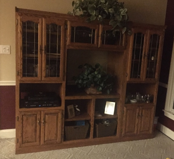 Cabinet/ entertainment center