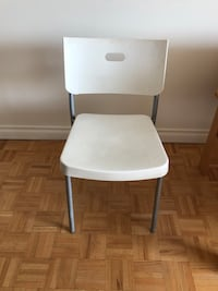 2 chairs in good condition Montréal, H3E