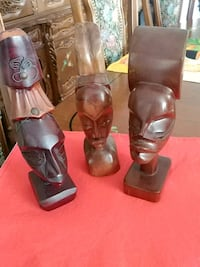 Set of 3 wood African figurines Laval, H7G 1G2