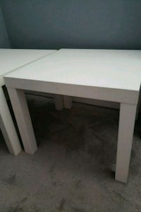 2 end tables Downey, 90242
