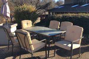 Outdoor table - 6 seater