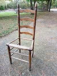 Sturdy ladder-back chair. Gallatin, 37066