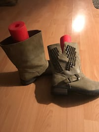 New boots 81/2 Calgary, T2A 7B6