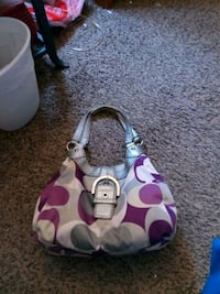 Coach purse with matching wallet Des Moines, 50321