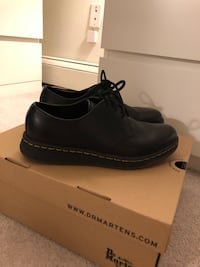 DR.MARTENS CAVENDISH London, N6H 5H2