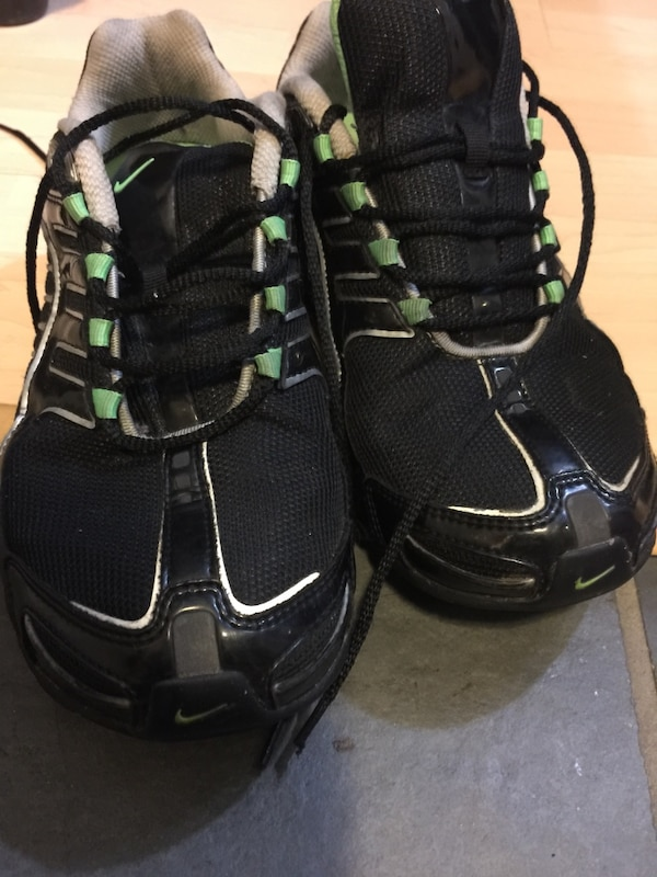 best service 76851 e91af Used 8 WMNS Nike SHOX NAVINA for sale in Vancouver