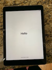 5th generation 32gb iPad Vancouver, 98684