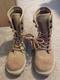 Roxy boots  Red Deer, T4P 4A3