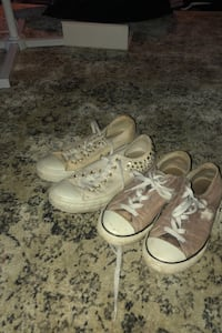 2 pairs of converse for trade with 2 other pairs Mississauga, L5K 1T2
