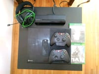 Xbox one.2 controllers 2 games plus gaming headset Vancouver, V6E 1K6