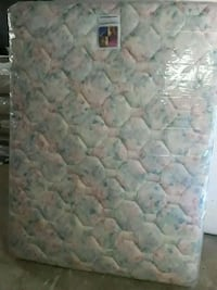 quilted white and blue floral mattress Birmingham, 35228