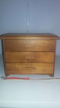 Authentic wood jewellery box  London, N6G 1N1