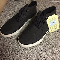 TOMS - Mens 7, Brand New With Tags