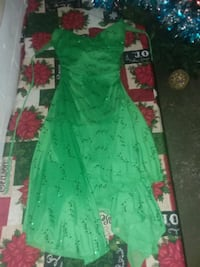 green and red floral dress 853 mi