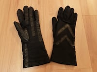 Isotoner Glove - Black Elkridge