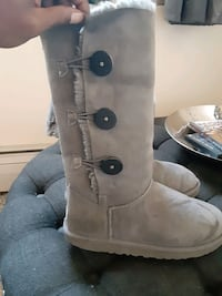 Grey uggs tall size 8