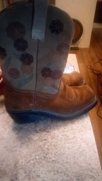pair of brown-and-blue leather cowboy boots Springfield