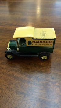 Green and yellow Harrods truck toy 25 km