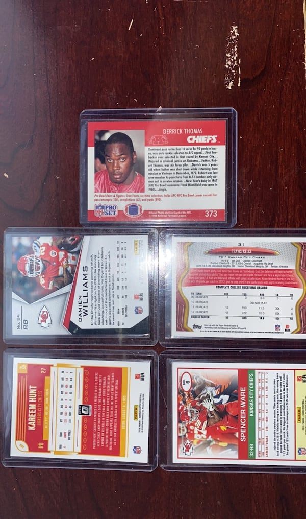 Lot of 10 current and former KC Chiefs football cards 9c2cf619-63af-4b88-83b8-571d7b9b96a2