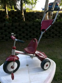 Tricycle Steer and Roll Radio Flyer  Victoriaville, G6P 6L1
