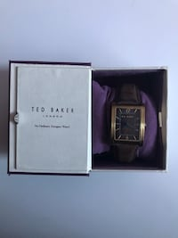 square silver-colored analog watch with box Calgary, T2C