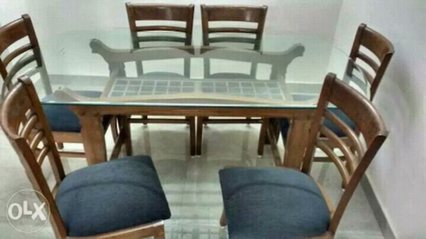Gebrauchte Glass Top Six Seater Dining Table With 6 Chairs Zum