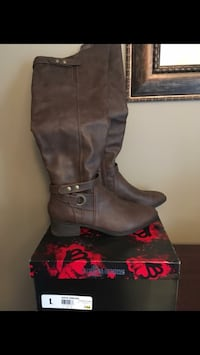 Fergalicious over the knee boot - size 9 Grimsby, L3M 1L1