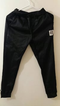 Pants small size Vancouver, V5P 3Y2