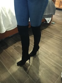 Black heeled boots Thames Centre
