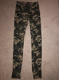 black and gray camouflage pants El Paso, 79934