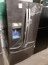 New scratch and dent whirlpool stainless steel French door fridge
