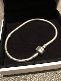 Pandora charm bracelet in sterling silver London, N6H 5J4