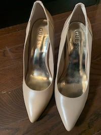 Guess Nude Pumps  Whitby, L1N 8J9