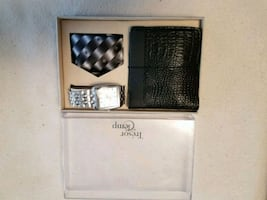 Set of watch, tie and wallet.
