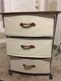 Light weight portable drawer unit  Mississauga, L5C 1E1