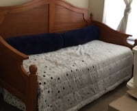 Day bed w/trundle Woodbridge, 22191