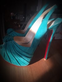 Pair of blue peep-toe heeled sandals Toronto, M1M 1N4